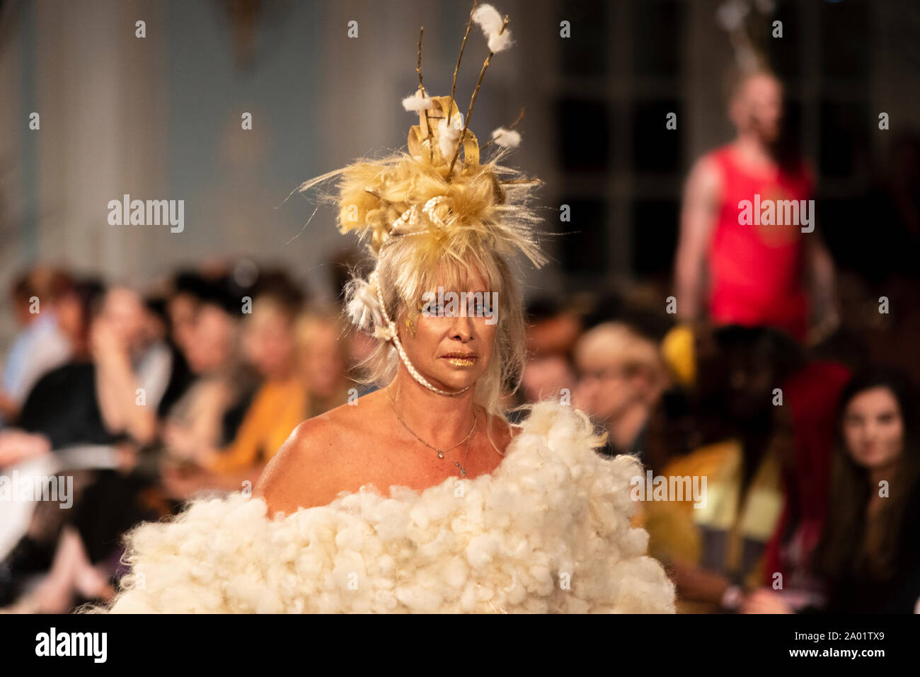 vin-and-omi-london-fashion-week-ss20-show-eco-friendly-clothing-designed-from-waste-and-weeds-from-highgrove-house-estate-older-model-jo-wood-2A01TX9.jpg