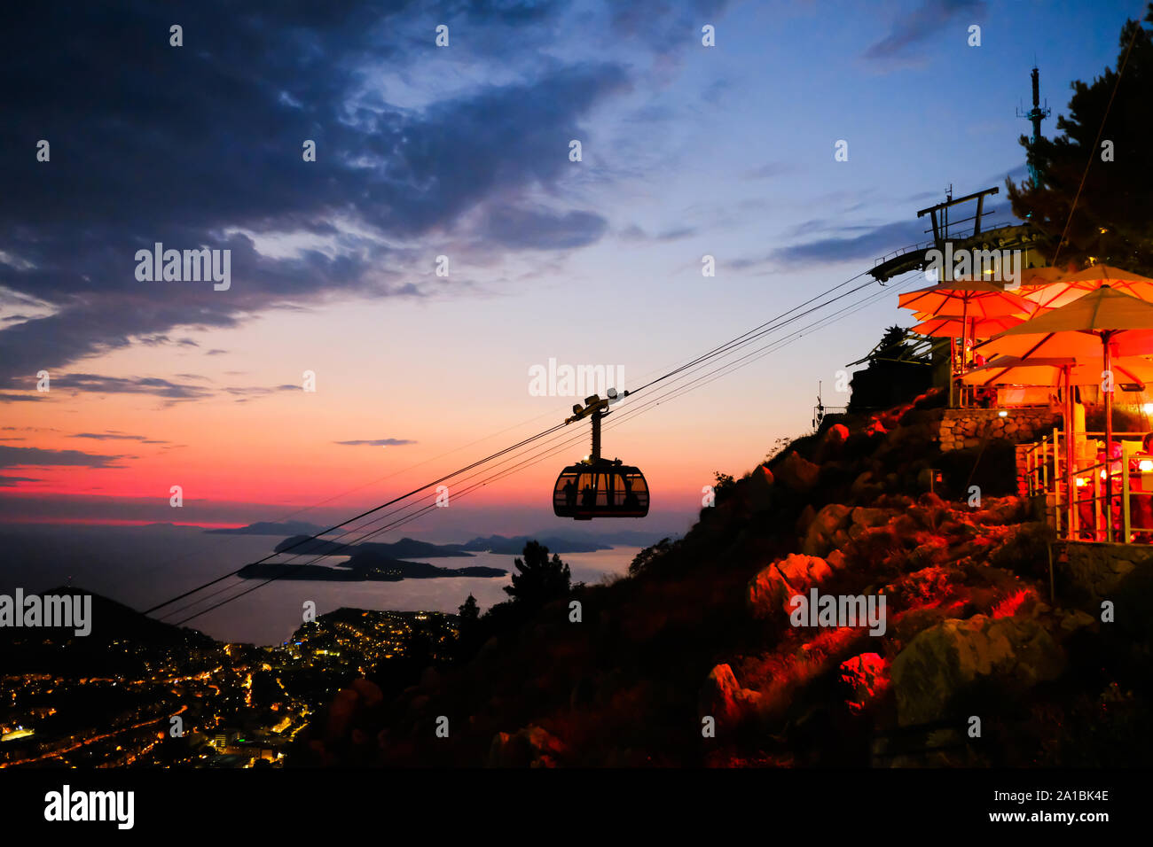 a-cable-car-approaches-the-upper-station