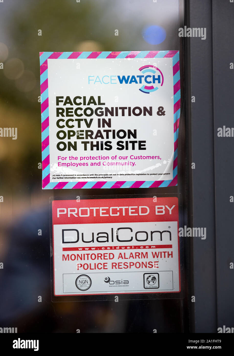 a-supermarket-door-facewatch-warning-sig