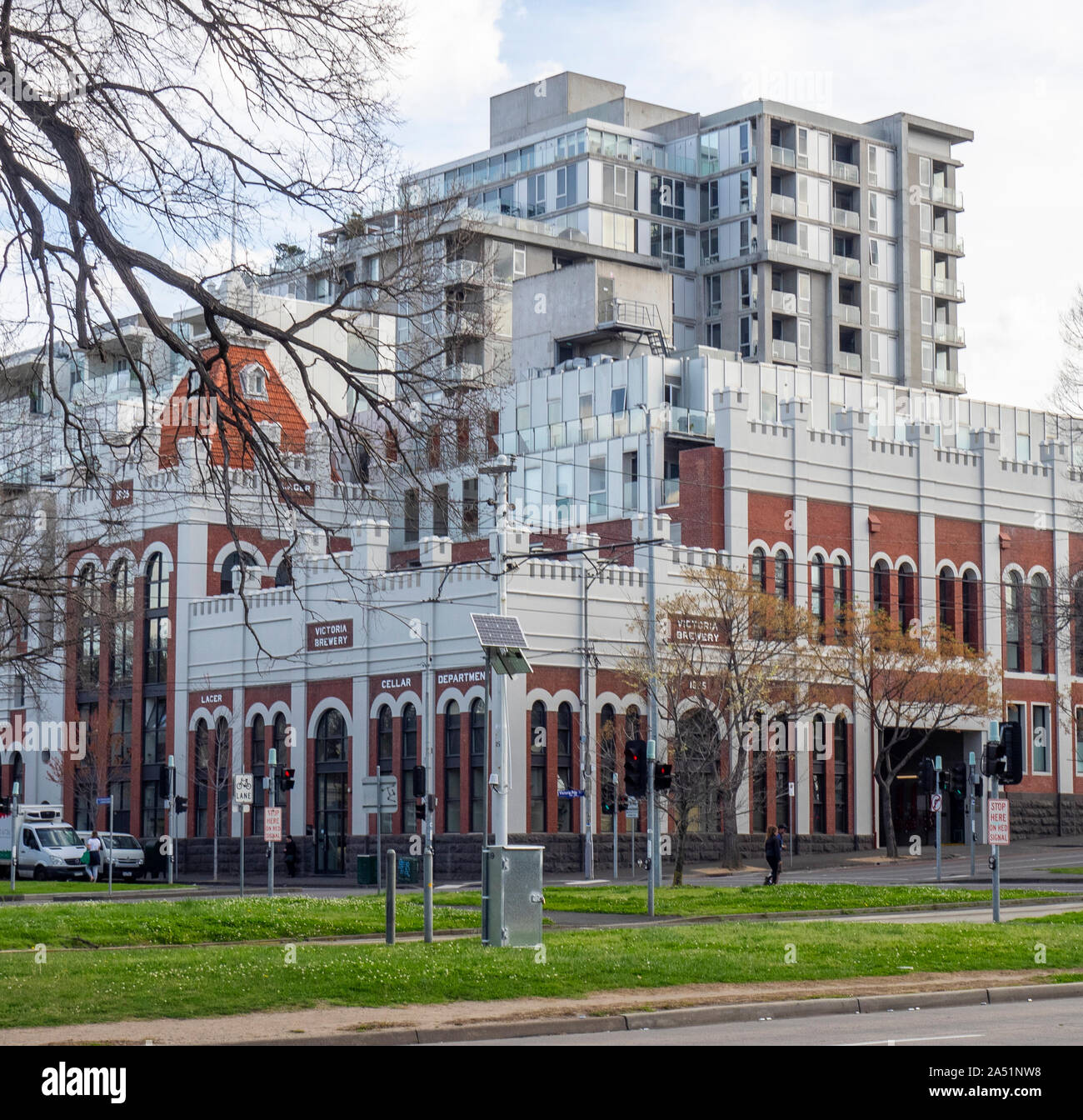 redevelopment-of-victoria-brewery-site-into-tribeca-high-density-residential-apartments-east-melbourne-victoria-australia-2A51NW8.jpg