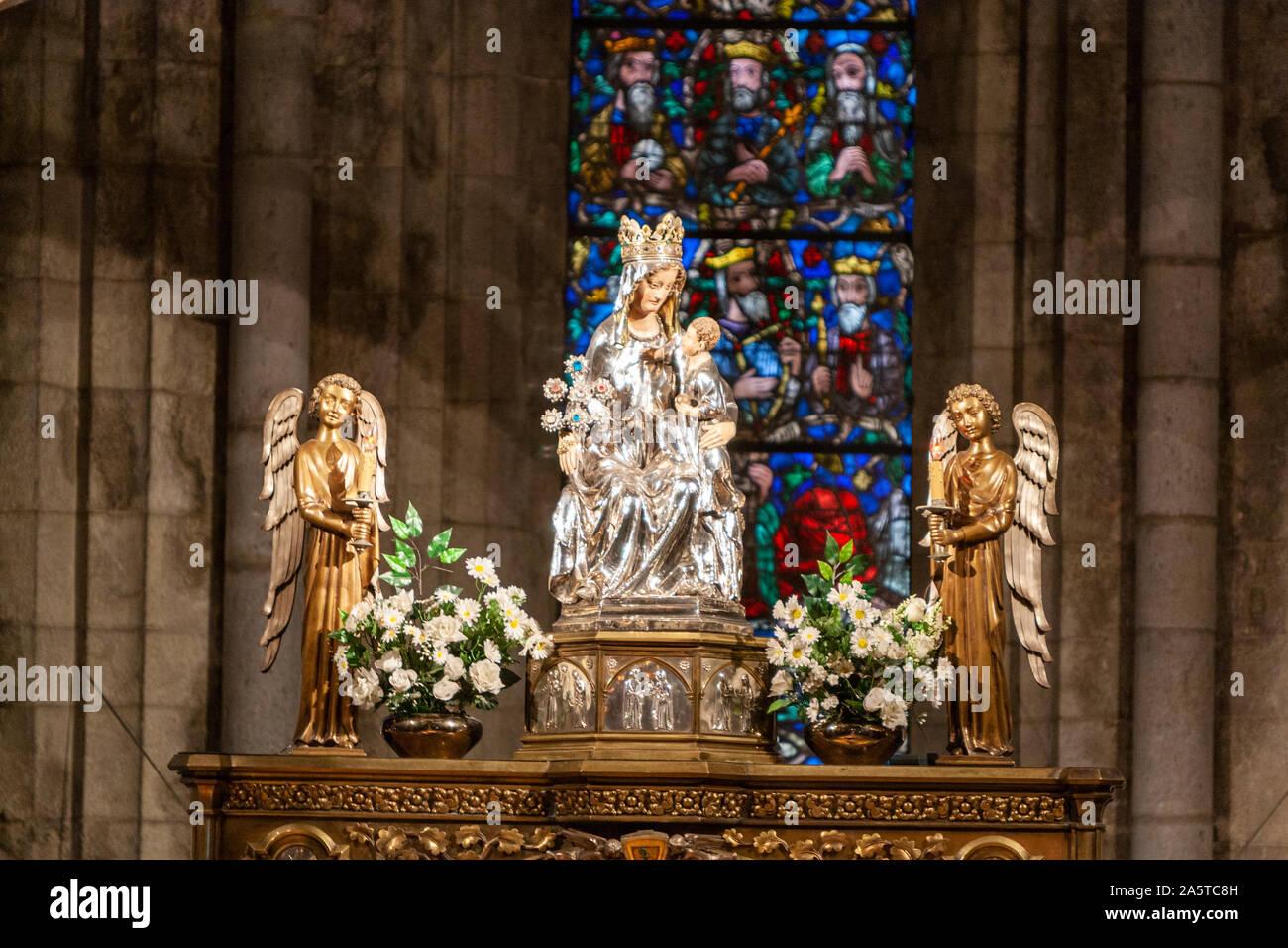 virgen-de-roncesvalles-silver-statue-in-