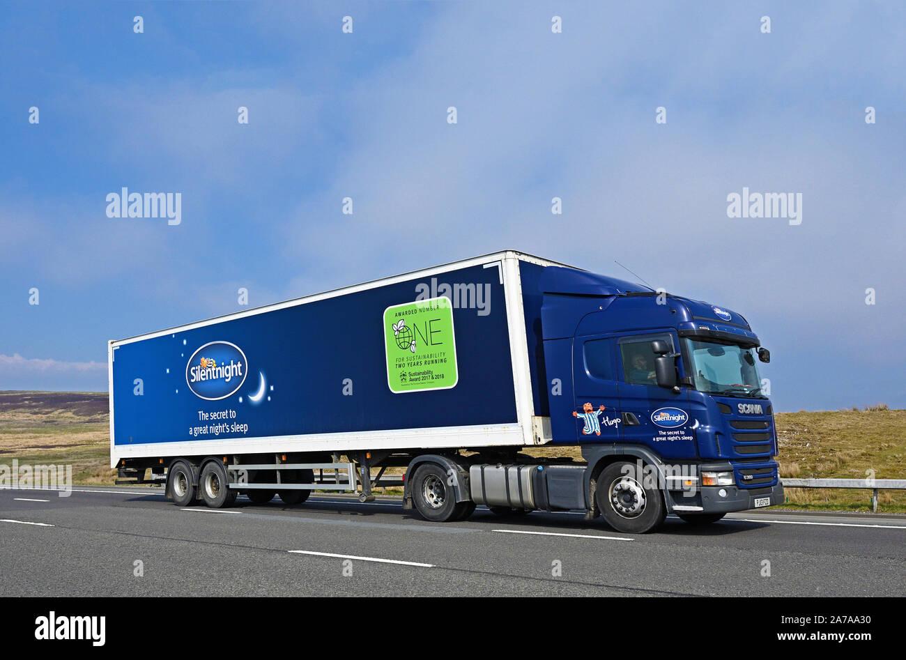 silentnight-hgv-m6-motorway-southbound-shap-cumbria-england-united-kingdom-europe-2A7AA30.jpg