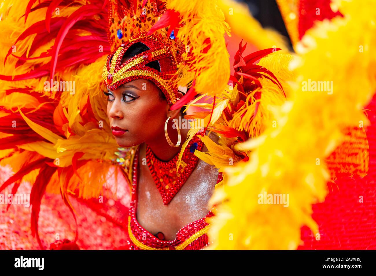 a-caribbean-parade-participant-at-carifest-festival-calgary-alberta-canada-2A8XH9J.jpg