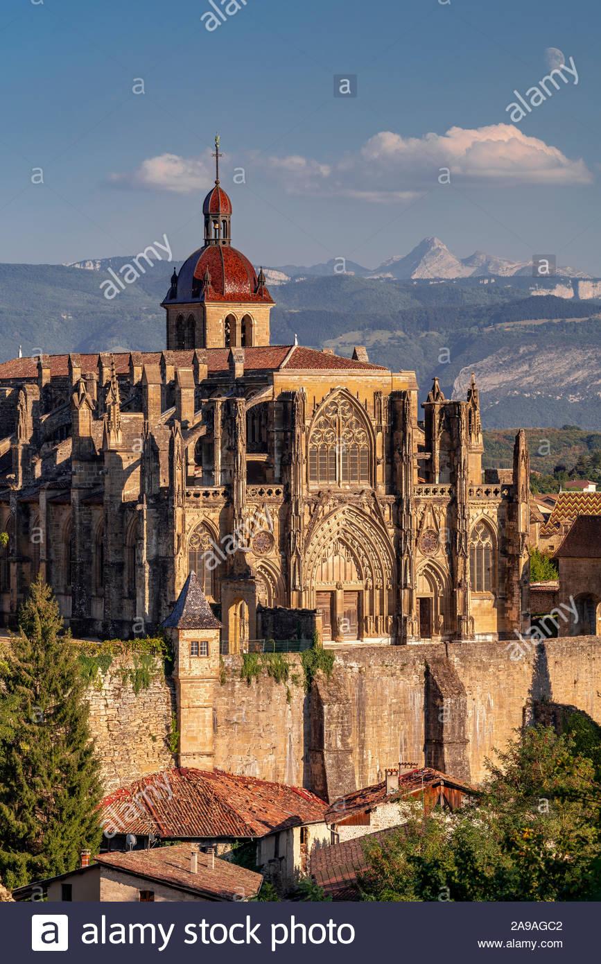 saint-antoine-labbaye-france-the-abbey-c