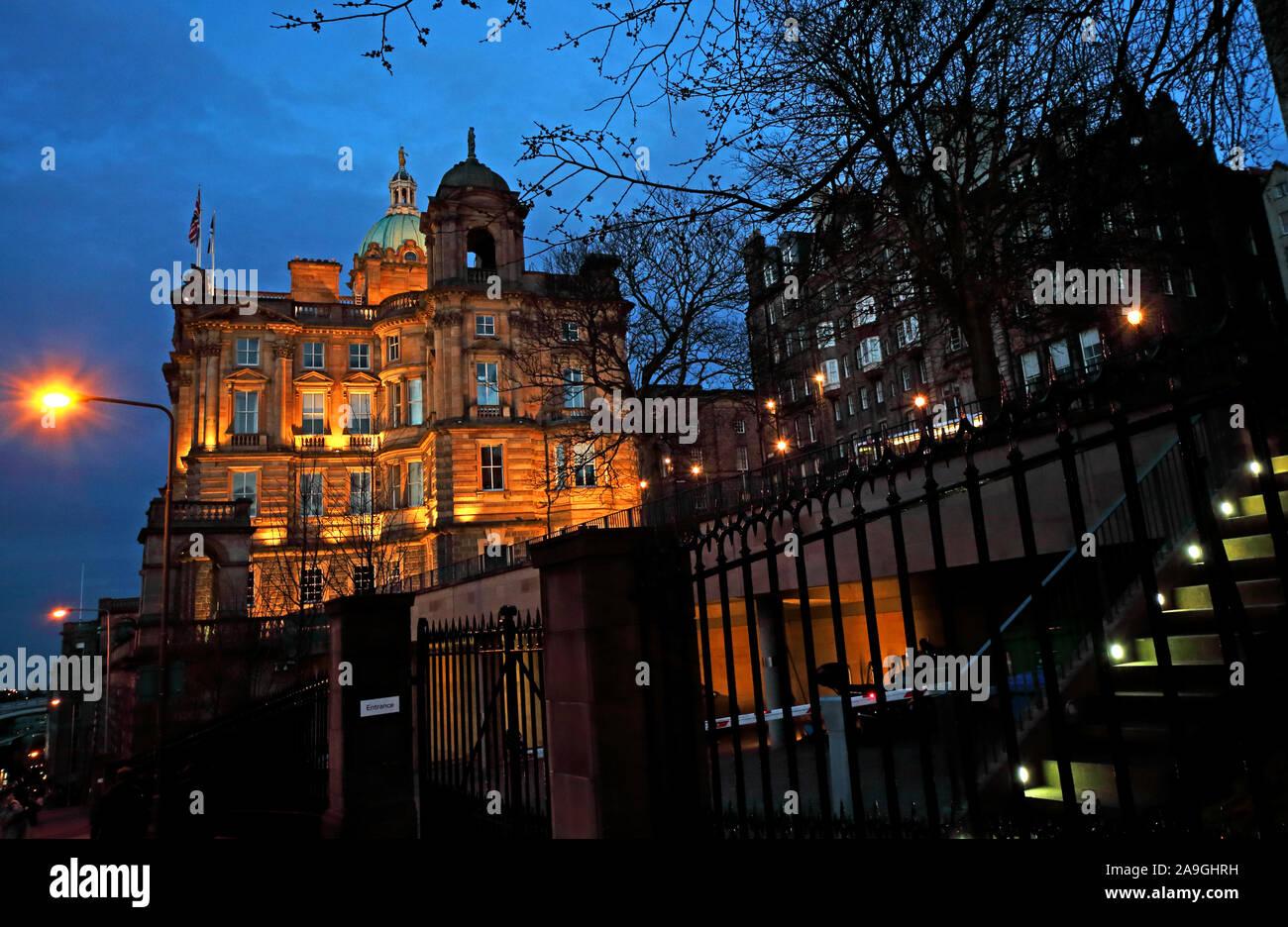 HotpixUK,@HotpixUK,GoTonySmith,UK,Scotland,at night,night,dusk,at dusk,EH1,on,Edinburgh,EH1 1YZ,architecture,Head Office,Bank of Scotland PLC,HBOS,Lloyds TSB