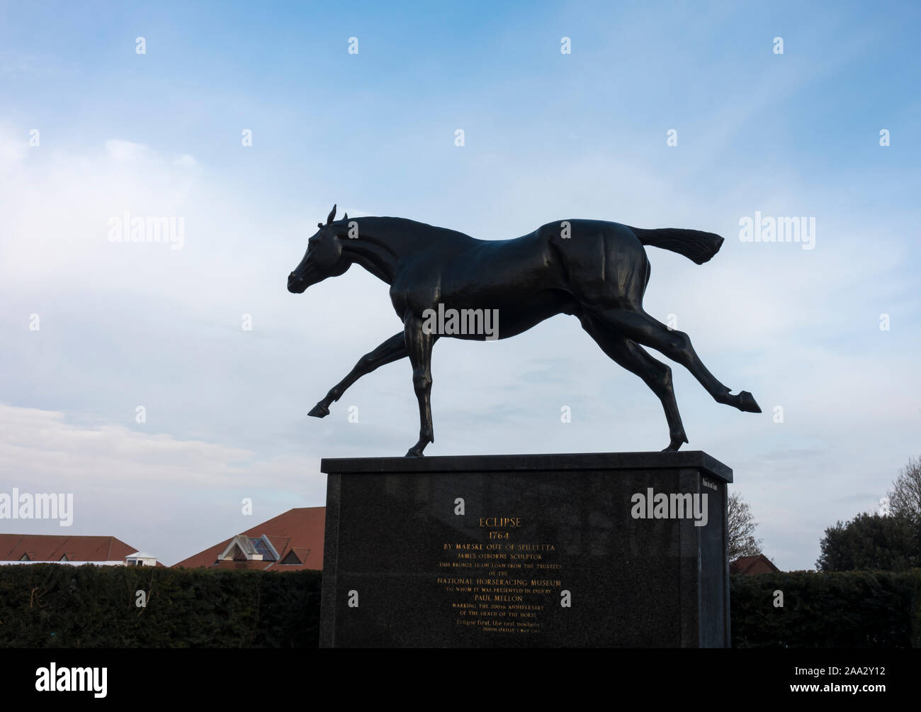 statue-of-race-horse-eclipse-died-1789-2AA2Y12.jpg