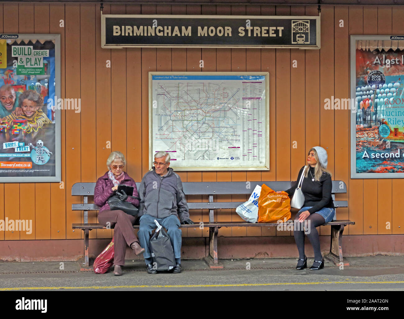 HotpixUk,@HotpixUK,GoTonySmith,UK,England,English,BMO,GWR,City Centre,West Midlands,Historic,transport,architecture,platform,travelers