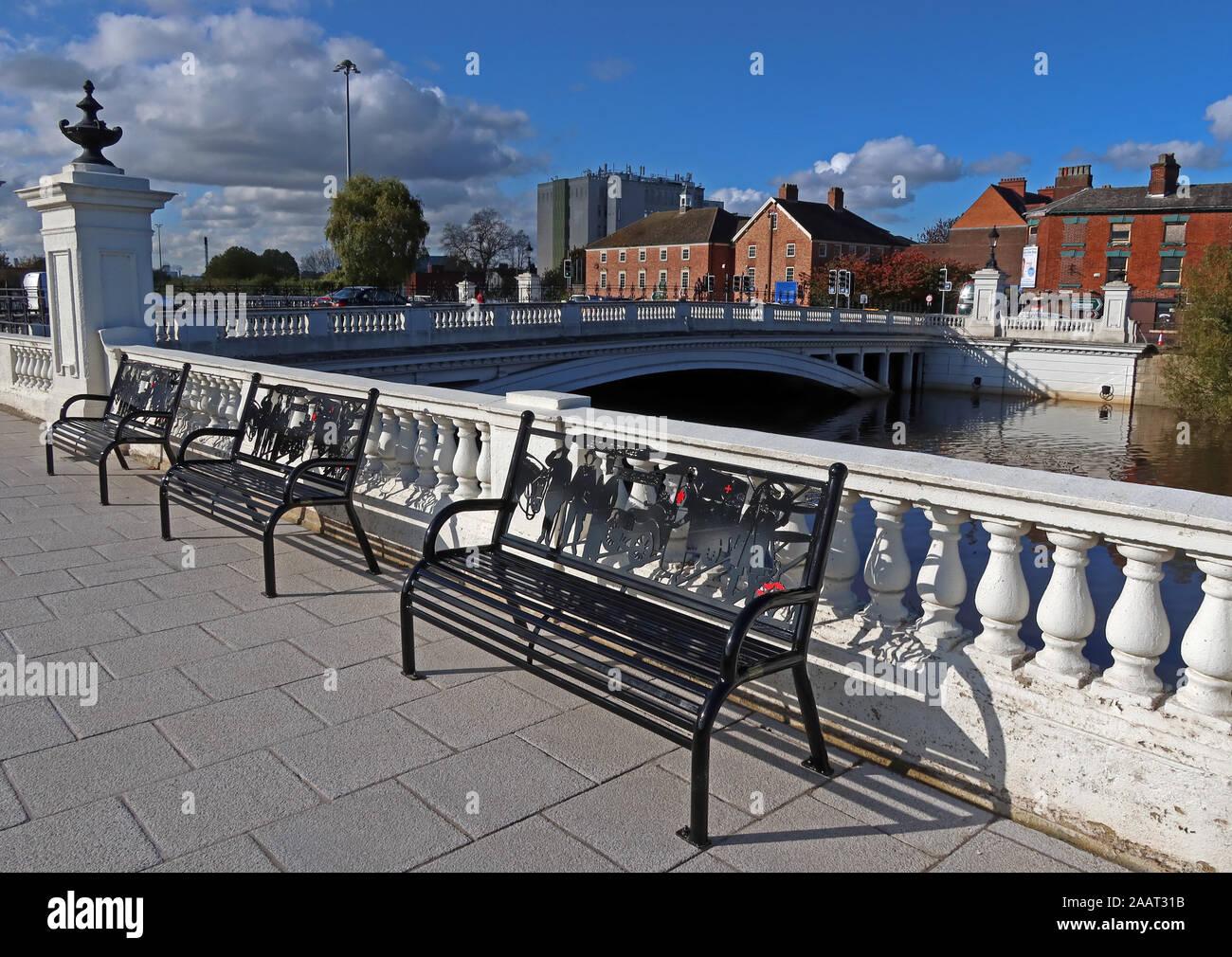 HotpixUk,@HotpixUK,GoTonySmith,UK,England,English,Mersey,at,bridges,crossing,flood,flooding,October 2019,autumn,full moon,lunar,tides,tide,Environmental Agency,flood defenses,River Mersey Crossing,Cheshire,WA1 1WA,WA1,North West,Bridge Foot,Warrington Bridge,bench,benches,walkway,balcony