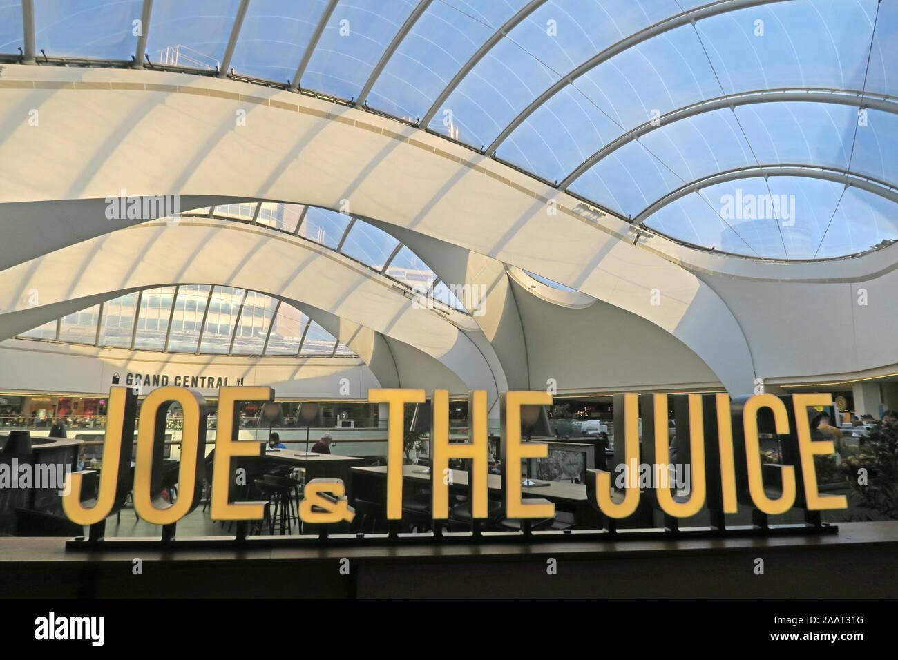 HotpixUk,@HotpixUK,GoTonySmith,UK,England,English,West Midlands,city Centre,B2,New Street Railway Station,central hub of UK rail network,B2 4QA,Redeveloped,developed,Grand Central,New St Railway Station,Birmingham New St,interior,inside,Gateway Plus project,Foreign Office Architects,domed atrium,Grand Central shopping centre,shopping centre,rail network,network rail,Joe and the Juice,outlet,veggie shots,organic ingredients,Valedo Partners