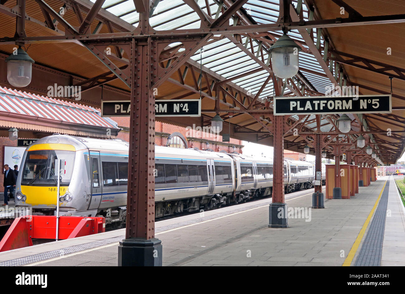 HotpixUk,@HotpixUK,GoTonySmith,UK,England,English,B4,platform,heritage,historic,Railway station,Chiltern Trains TOC,TOC,Chiltern,Chiltern Railways is a British train operating company owned by,Oxfordshire and Warwickshire,as well as long-distance services to the West Midlands,Stratford-upon-Avon and Oxford,with some peak-hour services extended to Kidderminster. Chiltern Railways also,and on the Princes Risborough to Aylesbury and Oxford