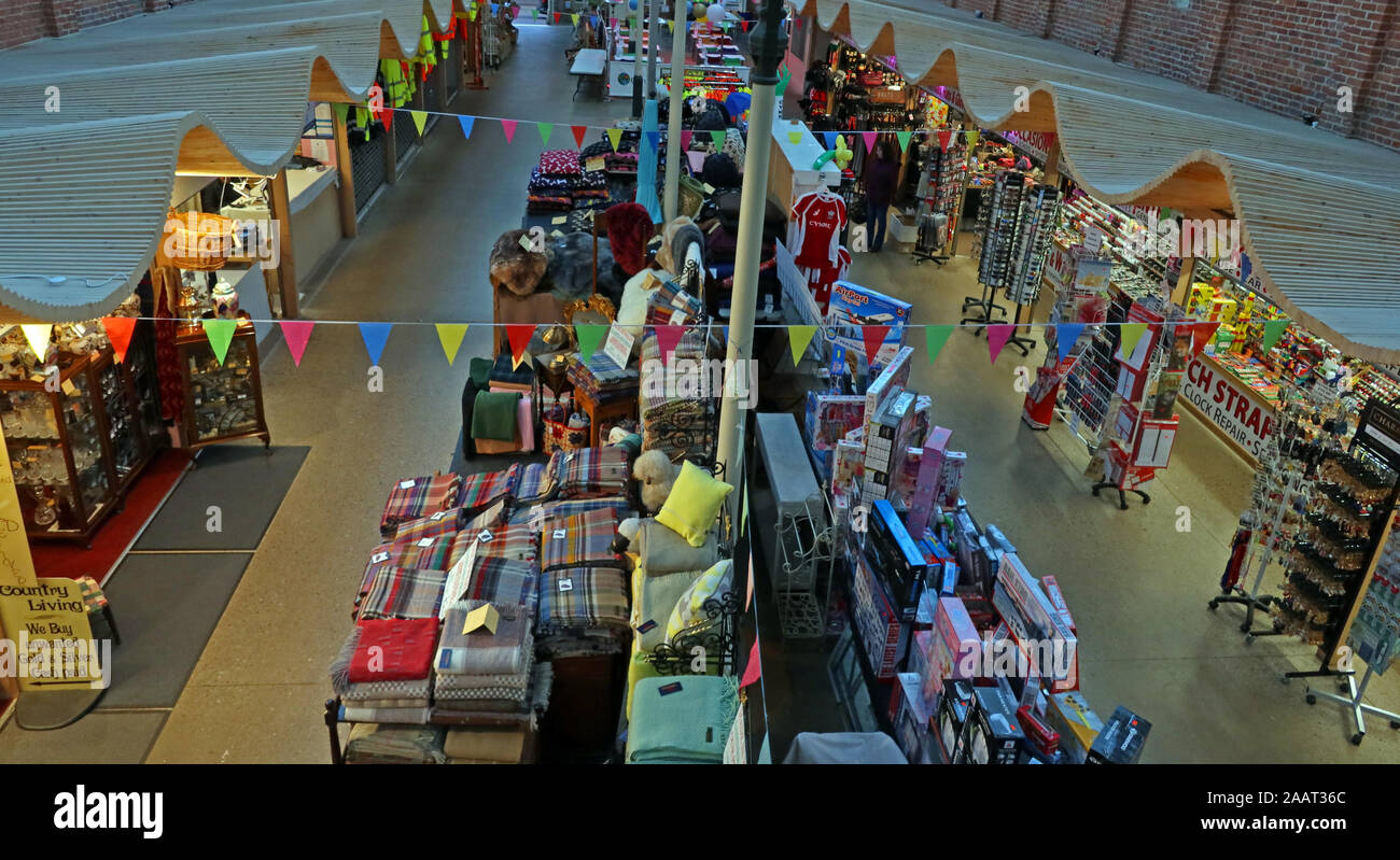 HotpixUk,@HotpixUK,GoTonySmith,UK,England,English,SY16 2PQ,Welsh,Welsh wool,Welsh woolens,blankets,stall,stalls,shops,stores,retail,vibrant,successful,Powys,Newtown Powys,Newtown market town,Newtown Market Hall,Market Hall,Y Drenewydd
