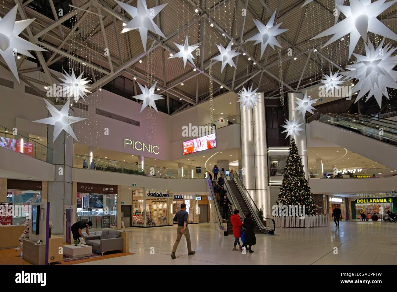 christmas-decorations-and-shoppers-insid