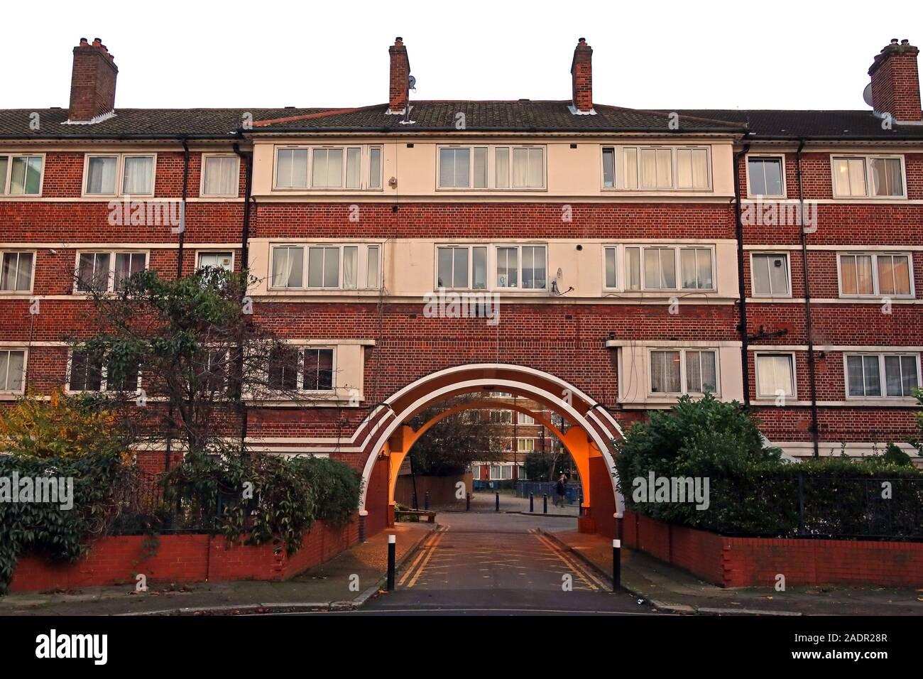 GoTonySmith,HotpixUK,@HotpixUK,South London,England,UK,UKhousing,UK Housing,flats,block,arch,arnold estate bermondsey