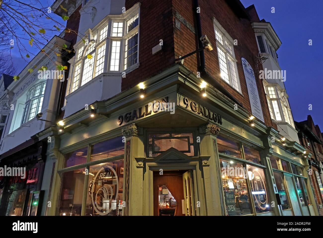 GoTonySmith,HotpixUK,@HotpixUK,Warrington,WBC,Warrington Borough Council,North West,pub,night,WA1,CAMRA,Sankey Street,real ale,bar,beer
