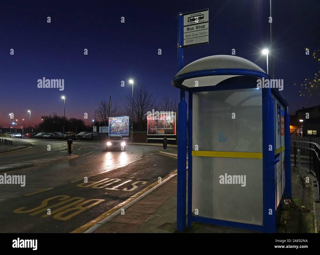 @Hotpixuk,HotpixUK,GoTonySmith,UK,England,dusk,Cheshire,railway,rail,night,winter,road