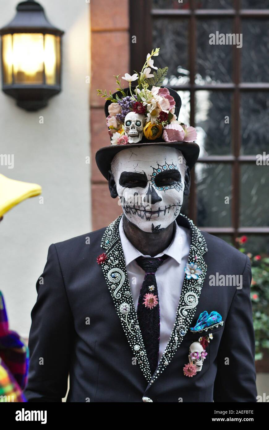 real-costumed-people-in-carnival-costume-celebrating-the-opening-of-the-2020-season-in-cologne-germany-2AEFBTE.jpg