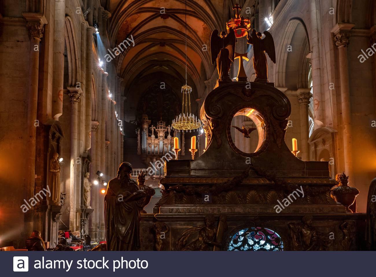 saint-antoine-labbaye-interior-of-the-ab