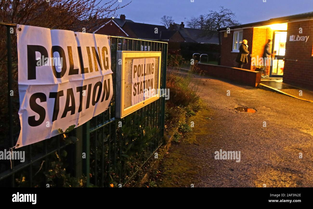 25 Albert Road / Victoria Avenue,grappenhall,Warrington,Cheshire,England,UK,WA4 2PE,polling station,cold,wet,dark,dusk,night,nihttime,night time,ballot,vote,voting,Polling station,weather,winter,Westminster,swing seat,tactical,2019,Dec 2019,voters entering polling station,voters outside,outside,building,signs,Library Polling station,marginal seat,constituency,constituency polling station,Faisal Rashid,GoTonySmith,HotpixUK,@HotpixUK
