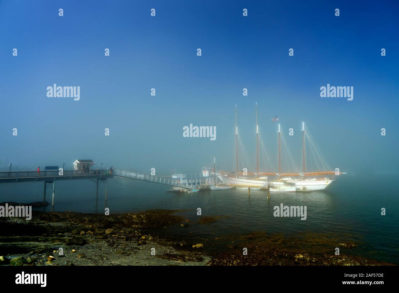 four-masted-schooner-margaret-todd-anchored-in-frenchman-bay-on-a-misty-morning-bar-harbor-maine-usa-2AF57DE.jpg