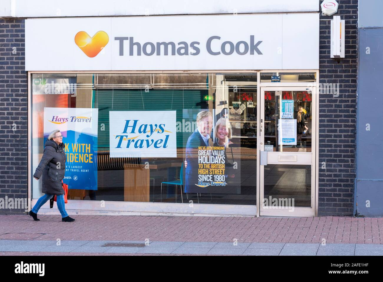hays-travel-high-street-branch-taking-over-after-collapse-of-travel-business-thomas-cook-branches-high-street-southend-on-sea-essex-uk-2AFE1HF.jpg
