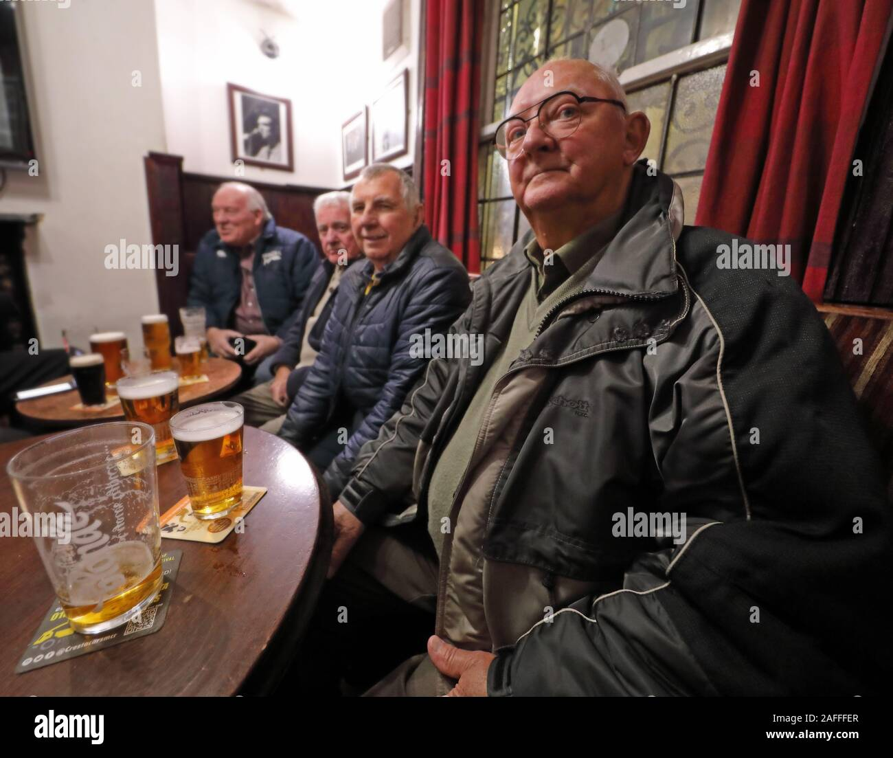 @HotpixUK,HotpixUK,GoTonySmith,@HotpixUk,ale,beer,Tavern,Manchester,customers,men,man,blokes,inside,interior,The Circus,city centre,smallest public house,smallest,1790,Grade II building,Grade II,building,Tetley,Tetleys,historic,oldest pubs in Manchester,oldest pub in Manchester,drinkers,drinker,men in a pub,man in a pub,bitter,lager,pints,on a table,round