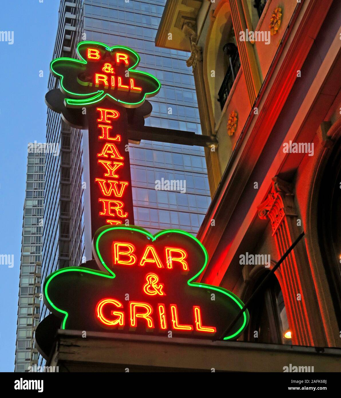 HotpixUK,@HotpixUk,GoTonySmith,NYC,NY,New York,Manhattan,USA,city,city centre,US,grill,lucky,Irish bar & Grill,Irish bar,Ireland,Shamrock,playwright bar grill new york,playwright bar grill,playwright Irish Bar,sign,neon sign
