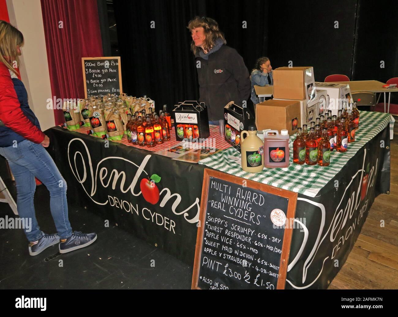 HotpixUK,@HotpixUK,GoTonySmith,Somerset,SDC,Sedgemoor,South West England,England,UK,South West,town,TA6,Food and Drink,festival,cider,food stalls,stalls,drink stalls,tastings,organic,Bridgwater town hall,townhall,venue,Bridgwater Town Team,Ventons Devon Cyder,Mark,Sharon Venton,Devon Cyder,Clyst St Lawrence