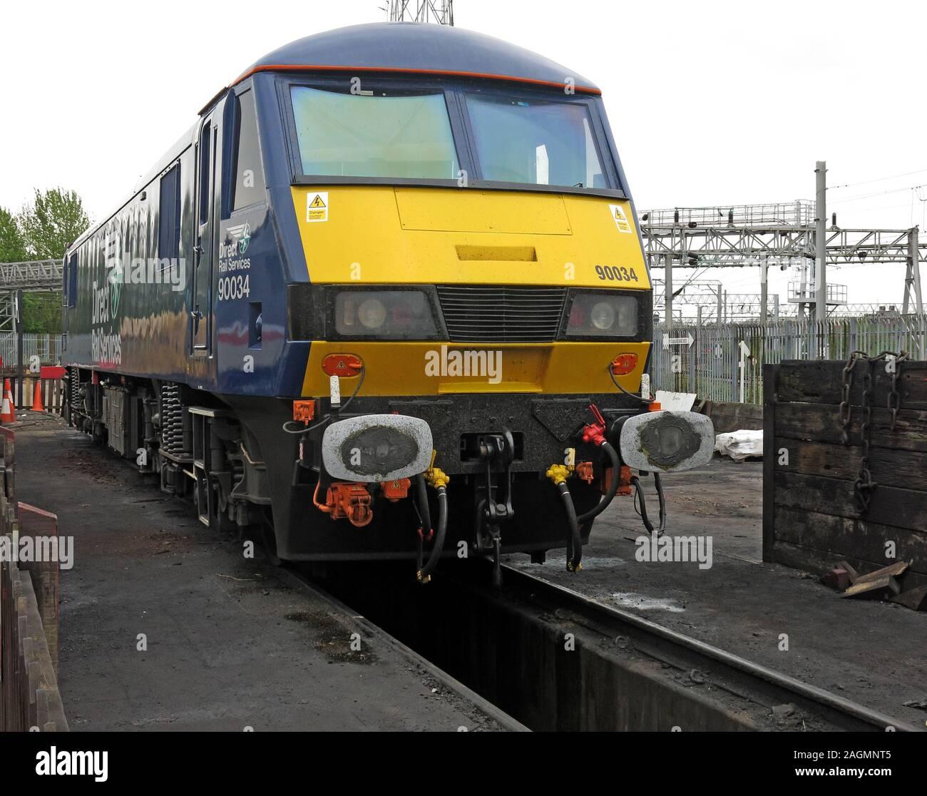 HotpixUK,@HotpixUK,GoTonySmith,Crewe works,rail,railway,trains,transport,history,BR,British Railways,UK,Great Britain,Crewe,Cheshire,England,loco,train,Locomotive,Services,North West England,90034,blue,yellow,freight,freight engine,rolling stock,fleet,track,lines,yard,Class90,DB Cargo UK,DB Schenker,Crewe Depots,The railway Age,repair pit,track pit
