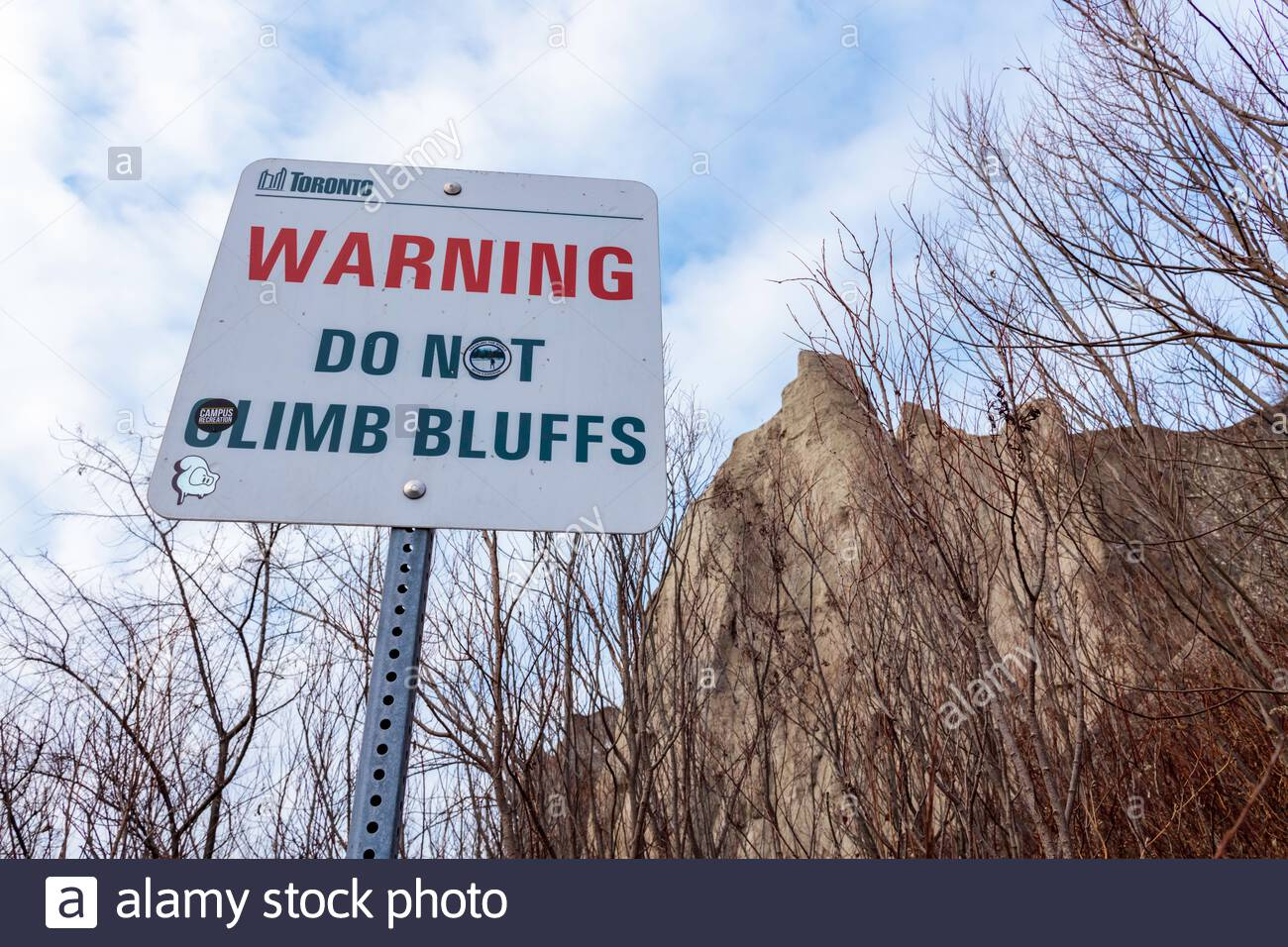 warning-sign-do-not-climb-bluffs-scarbor
