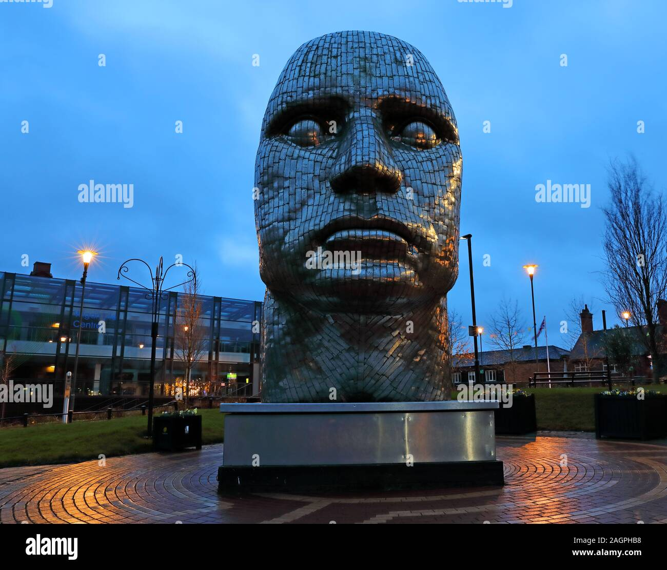 HotpixUK,@HotpixUK,GoTonySmith,town centre,The Face,art,Greater Manchester,England,UK,WN1 1YB,Manchester,night,at night,The Wiend,Wiend,Marylebone,stainless steel sculpture,stainless steel,steel,sculptor Rick Kirby,sculptor,Rick Kirby,kirby,portrait,sculptured portrait,sculptured,Wigan people,people of Wigan,public art,artworks,art-works,Modus Properties,Wigan Council,Modus,Louise Pearson,regeneration