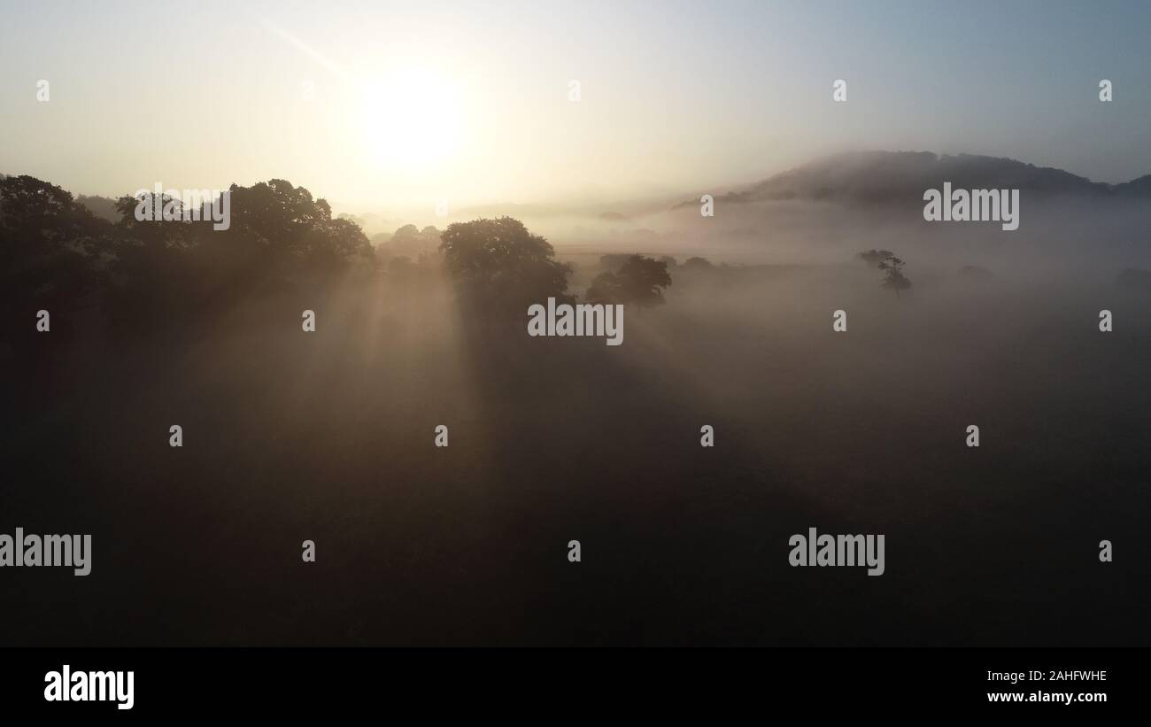 sunrise-and-fog-in-vejle-river-valley-ra