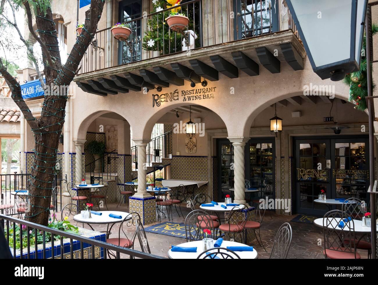 sedona-arizona-rene-restaurant-wine-bar-in-tlaquepaque-arts-shopping-village-2AJP68N.jpg