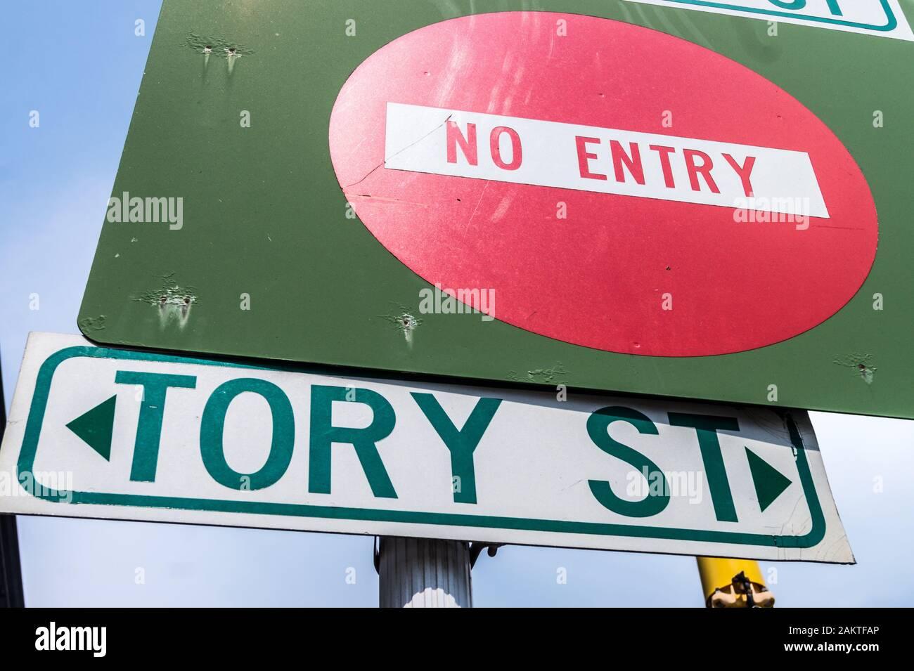 no-entry-street-sign-tory-street-te-aro-wellington-new-zealand-2AKTFAP.jpg