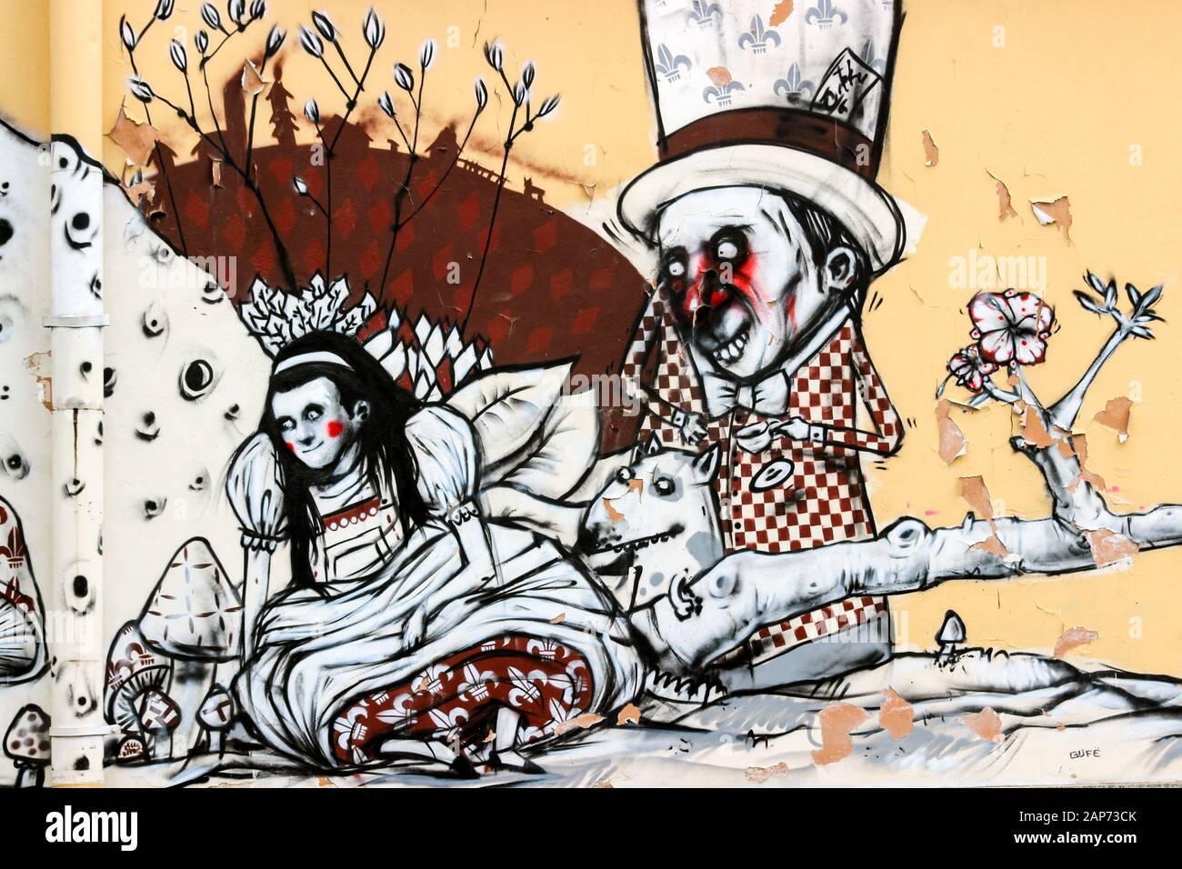 alice-in-wonderland-mural-on-kino-teatra