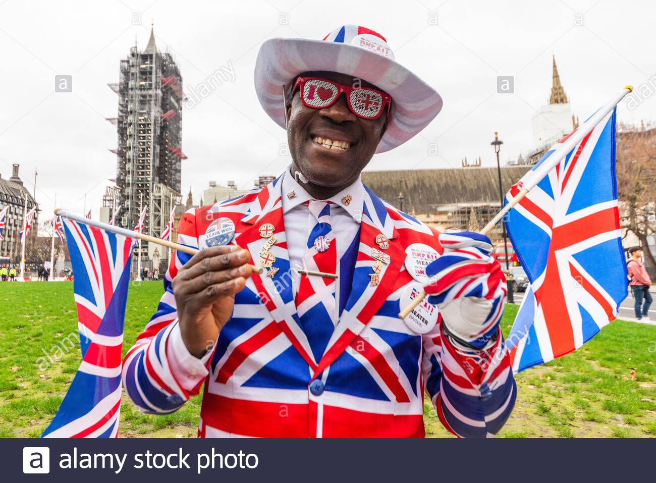 parliament-square-westminster-london-uk-31st-jan-2020-on-the-day-that-the-uk-is-set-to-leave-the-european-union-a-celebration-event-is-due-to-take-place-outside-parliament-people-from-both-leave-and-remain-have-been-gathering-outside-with-confrontations-between-the-two-factions-joseph-afrane-credit-avpicsalamy-live-news-2AT8F45.jpg