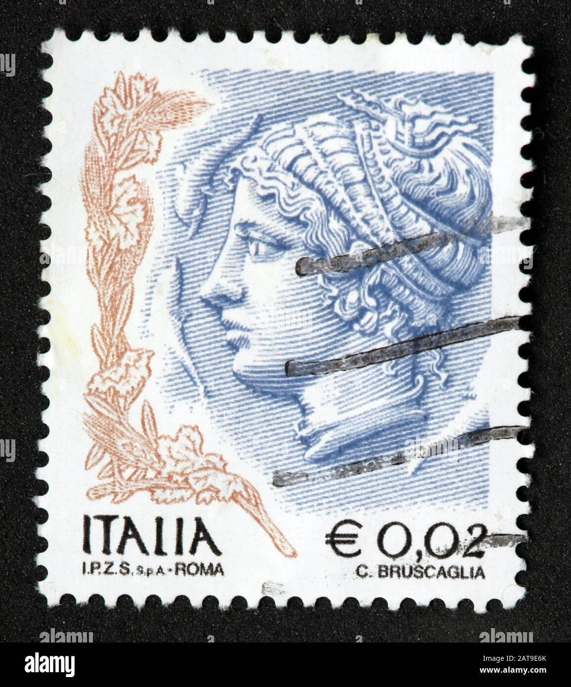 Hotpixuk,@Hotpixuk,GoTonySmith,stamp,postal,franked,frank,used stamps,used franked,used,franked stamp,from envelope,history,historic,old,Italy,Italian,Italia,Italy Stamp,italian stamp,franked Italian stamp,used Italian stamp,Italy stamp,Roma,2c,2cent,woman,female