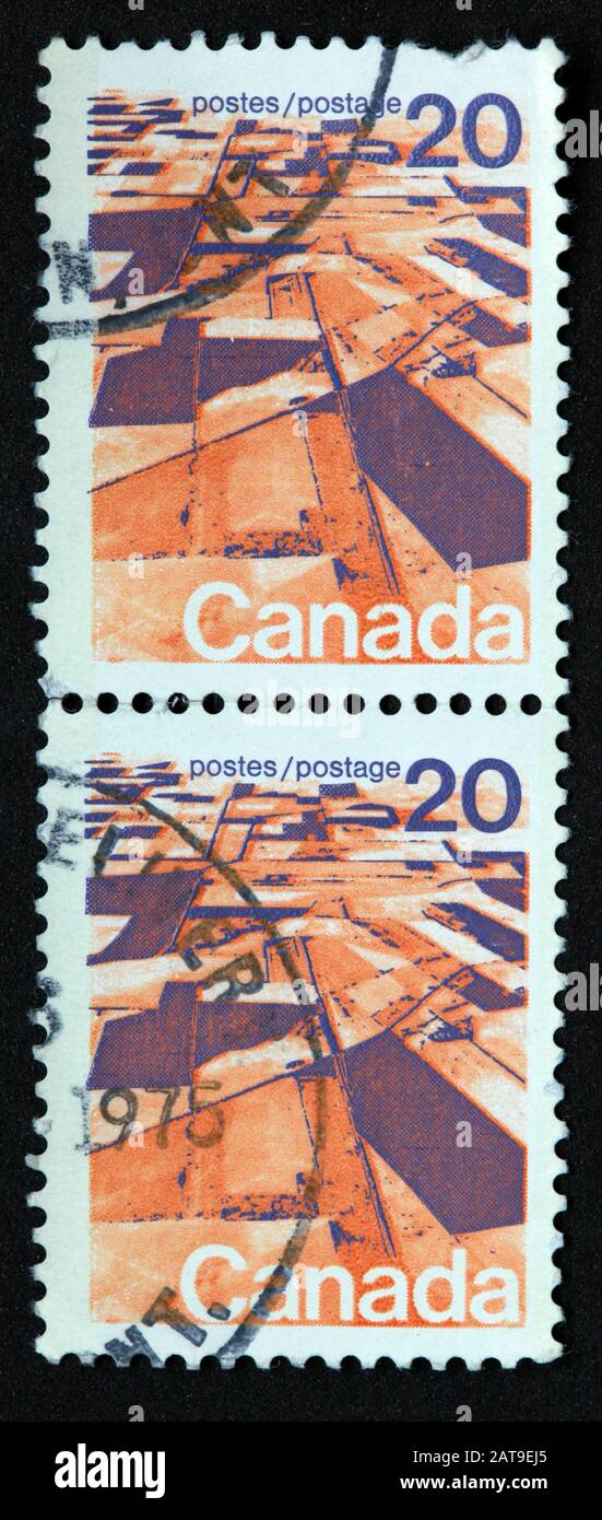 Hotpixuk,@Hotpixuk,GoTonySmith,stamp,postal,franked,frank,used stamps,used franked,used,franked stamp,from envelope,history,historic,old,poste,post office,communications,postage,sending letters,sending,parcels,Canada 20c,20cent,postes,two,Canadian