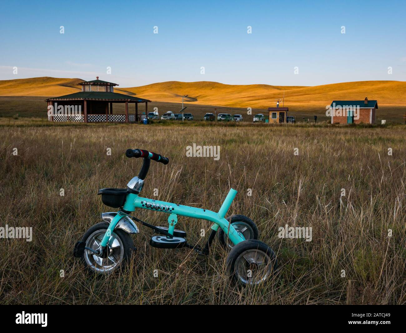 broken-childs-tricycle-mongolian-khustai