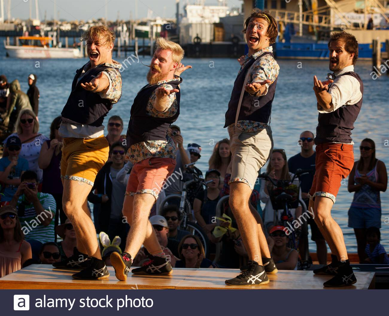 canadian-circus-artists-quatuor-stomp-at-the-2018-fremantle-international-street-arts-festival-western-australia-2ATM8B8.jpg
