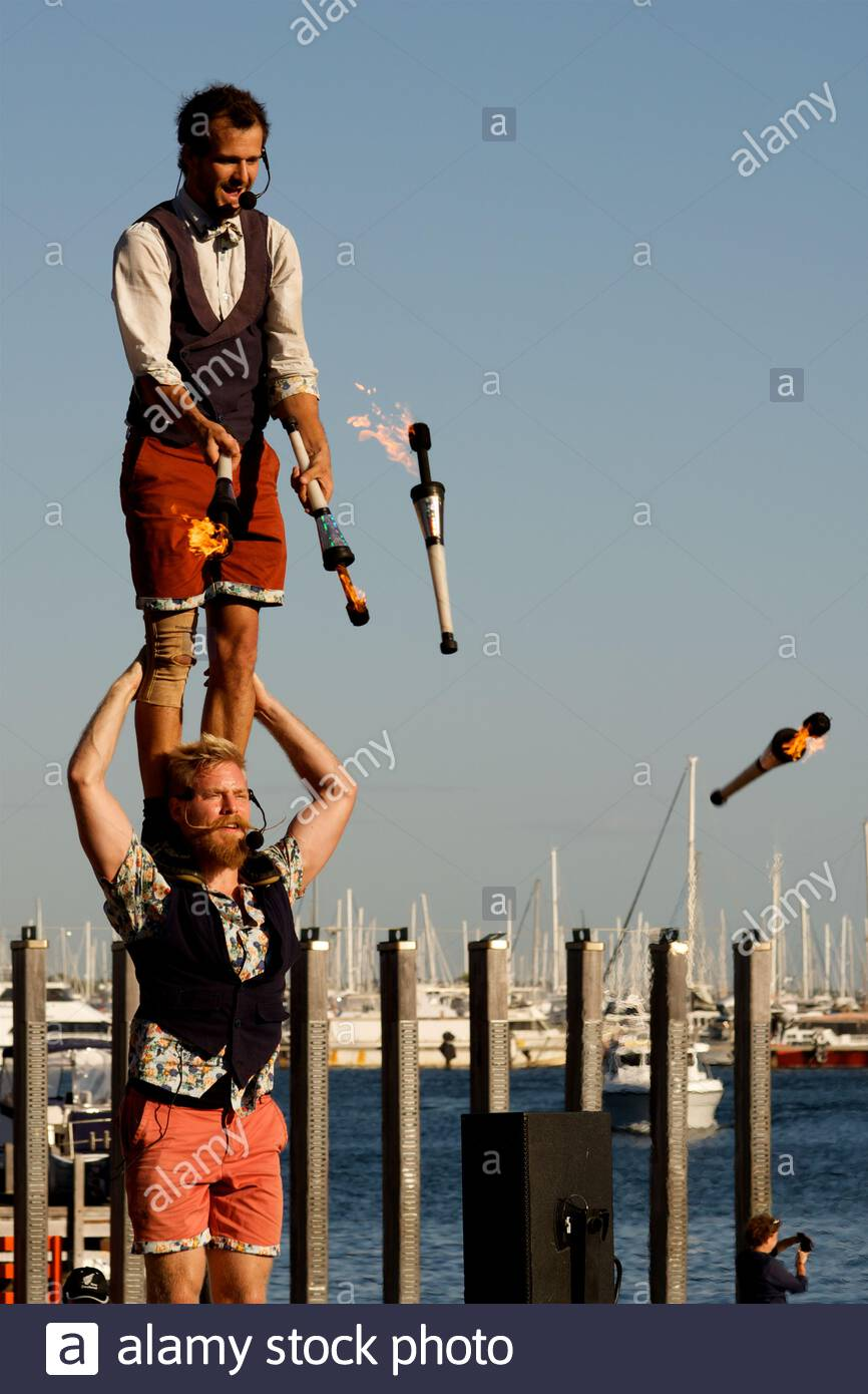 canadian-circus-artists-quatuor-stomp-at-the-2018-fremantle-international-street-arts-festival-western-australia-2ATM8GF.jpg
