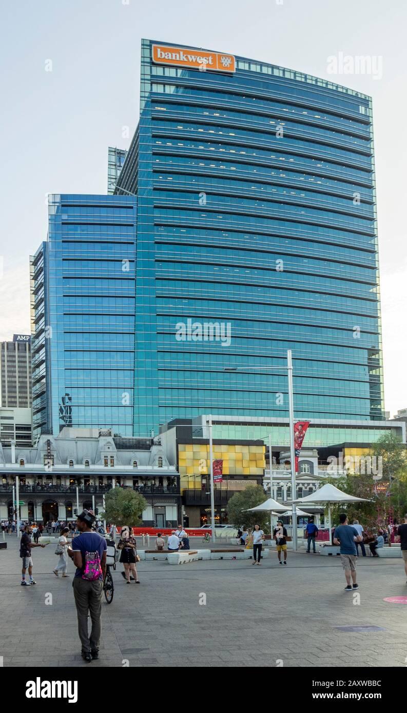 commuters-in-yagan-square-and-bankwest-headquarters-office-tower-in-raine-square-perth-cbd-wa-australia-2AXWBBC.jpg