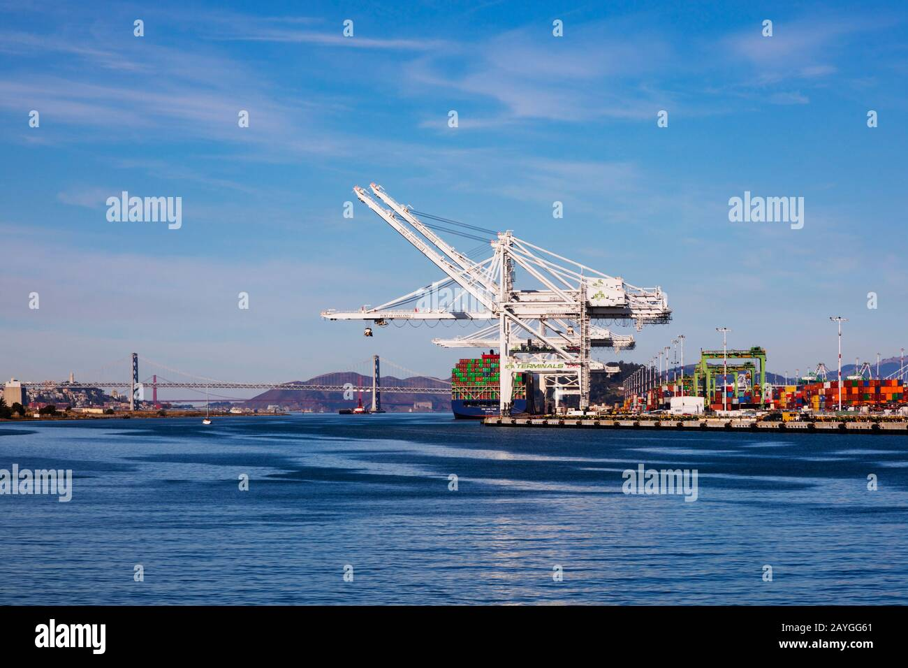 port-of-oakland-cranes-with-the-golden-g