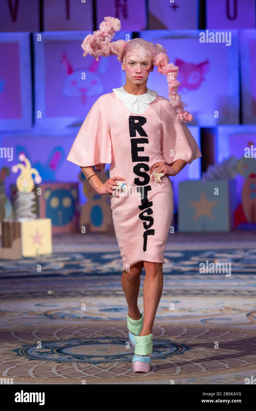 transexual-model-at-vin-and-omi-london-fashion-week-resist-aw20-show-eco-friendly-clothing-designed-from-recycled-fabric-model-in-pink-2B0KAYG.jpg