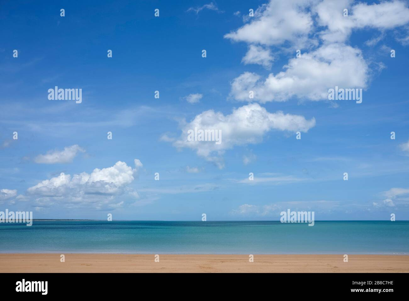 vesteys-beach-in-darwin-northern-territo