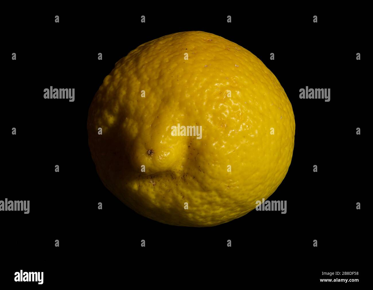 close-up-image-of-an-organic-lemon-using