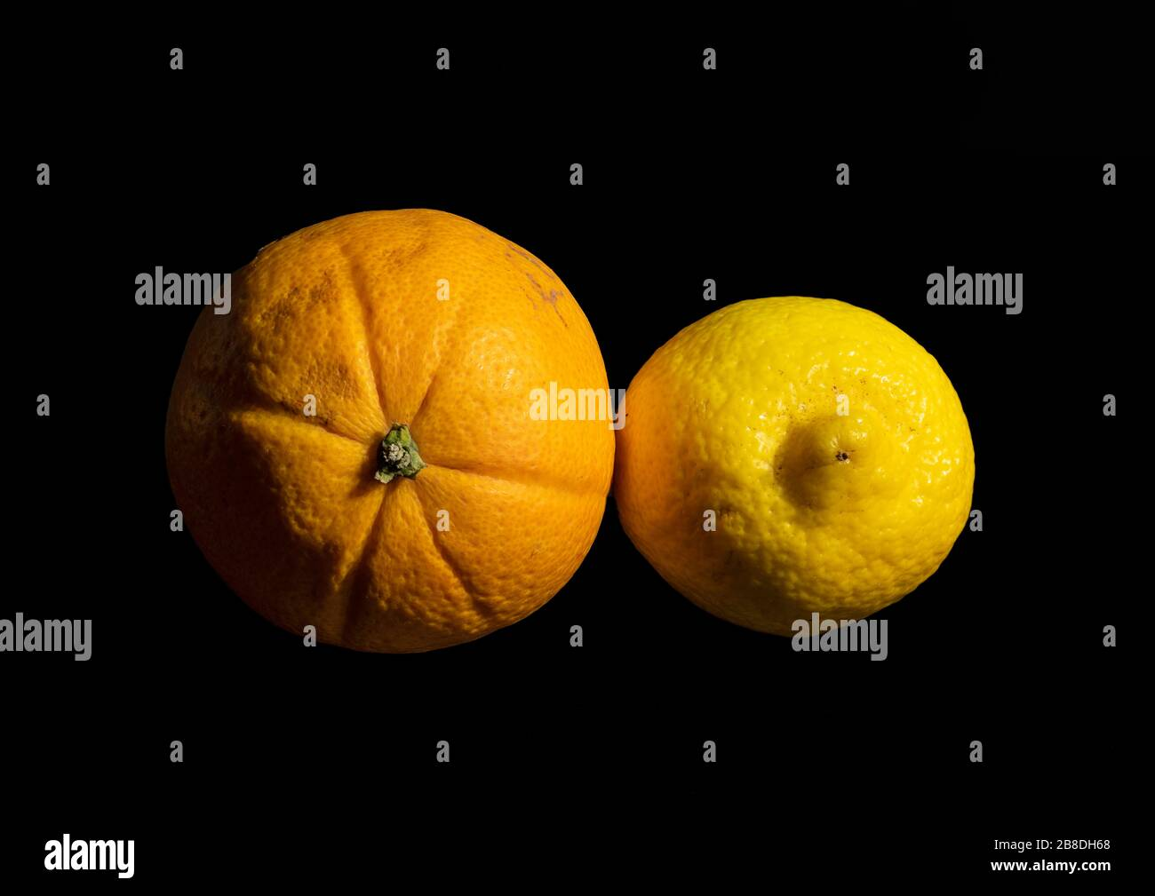 close-up-image-of-an-orange-and-lemon-us