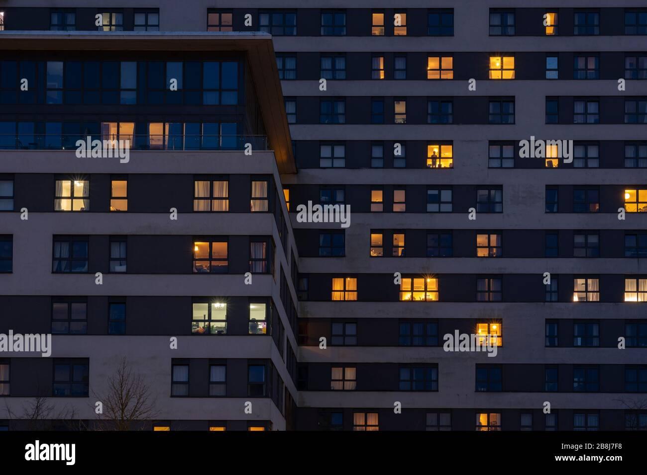 illuminated-flats-at-night-in-skyline-pl