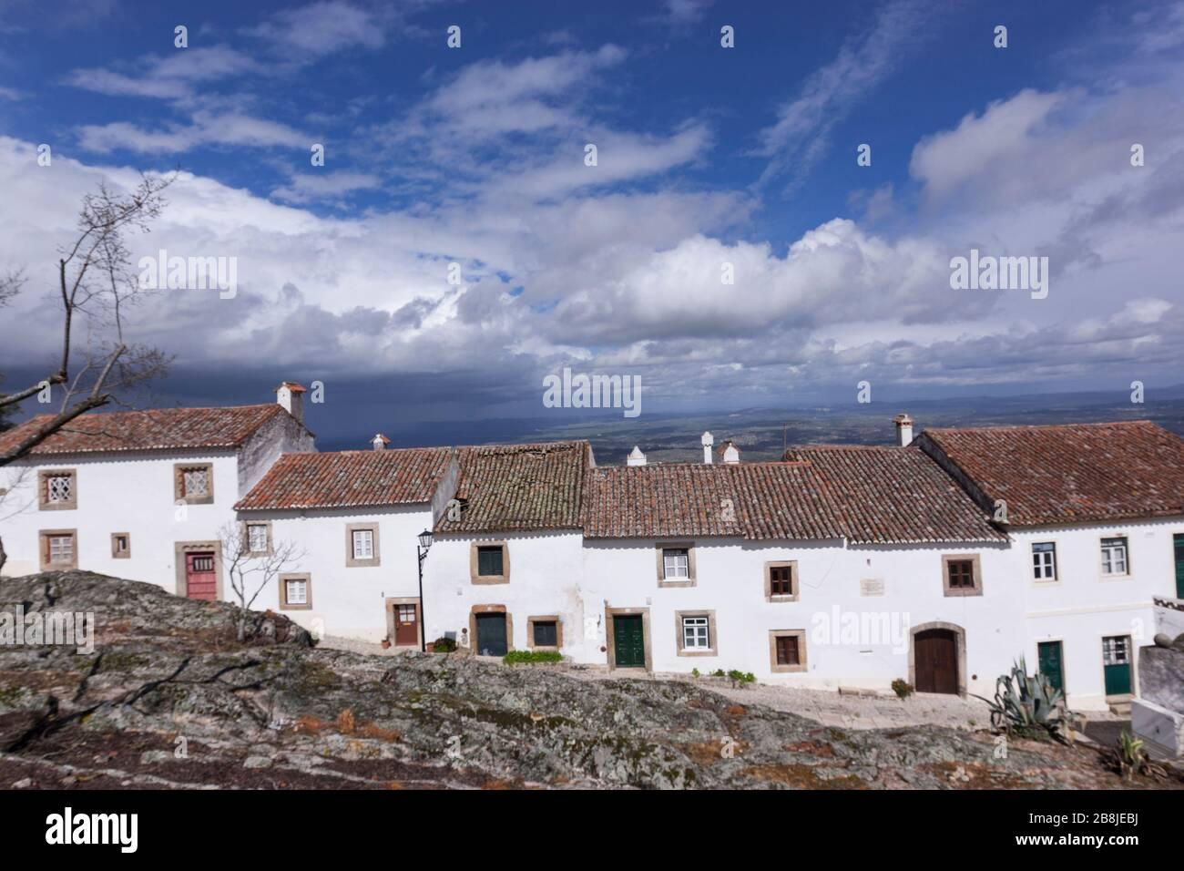 white-houses-marvao-region-alentejo-port
