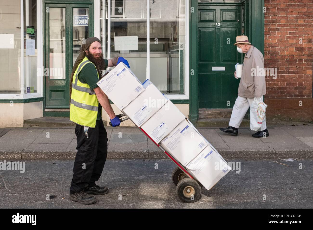 an-urgent-bread-delivery-during-the-covid-19-outbreak-in-the-small-welsh-border-town-of-presteigne-powys-wales-uk-2BAA3GP.jpg