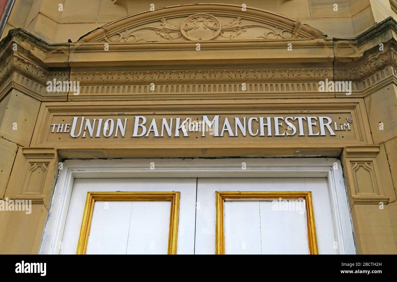 HotpixUK,@HotpixUk,GoTonySmith,Greater Manchester,Manchester,Cheshire,England,UK,town,history,historic,architecture,building,affiliated bank,door,doorway,exterior
